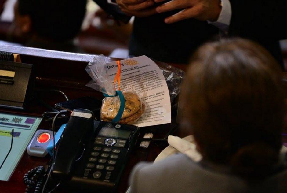 Finalmente, en la última sesión ordinaria del año, los diputados aprobaron la ley que permitió el ingreso de equipo médico donado, valorado en Q 20 millones. (Foto: Wilder López/Soy502)
