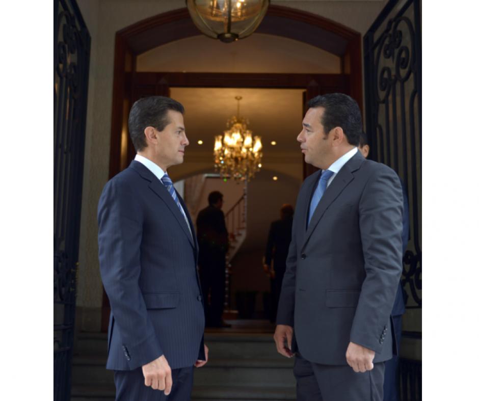 El momento de despedirse. La reunión entre Enrique Peña Nieto y Jimmy Morales se realizó este viernes. (Foto: Presidencia de México)