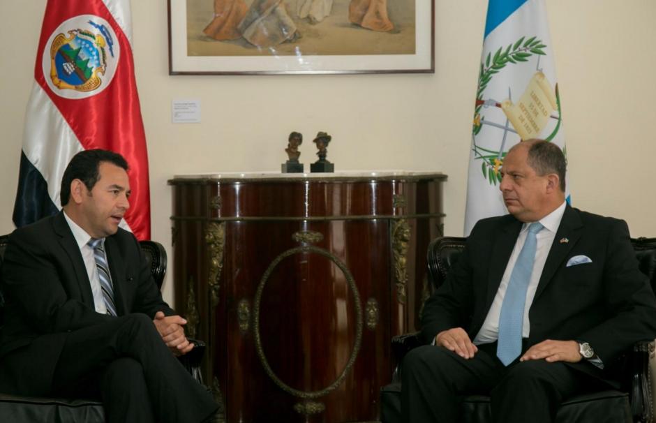 El presidente de Costa Rica, Luis Guillermo Solís, se reunió con JImmy Morales. (Foto: Presidencia Costa Rica)
