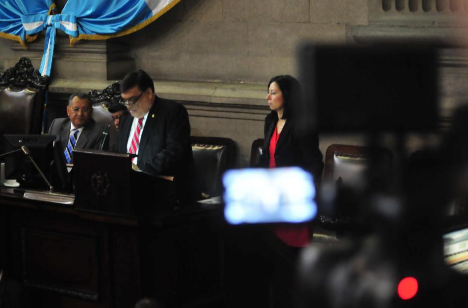 Finalmente, con más de dos horas de atraso se realizó la sesión del Congreso. (Foto: Alejandro Balán/Soy502)