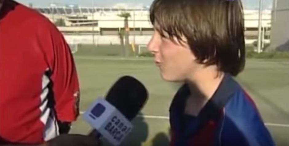 Los medios de comunicación entrevistaban a uno de los mejores jugadores juveniles de la época. (Foto: YouTube)