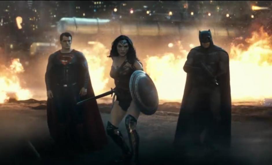 El trío superdotado se une para combatir a poderes oscuros. (Imagen: YouTube/ Warner)