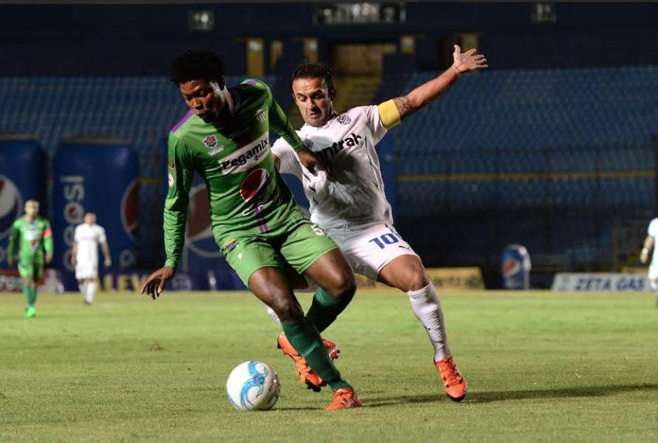 Antigua GFC se lleva un valioso empate del estadio Mateo Flores. (Foto: Nuestro Diario)