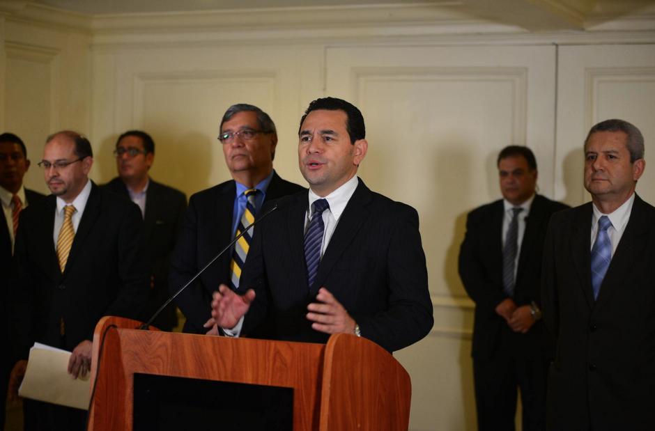 Jimmy Morales dio declaraciones pero no permitió preguntas durante su conferencia de prensa. (Foto: Wilder López/Soy502)