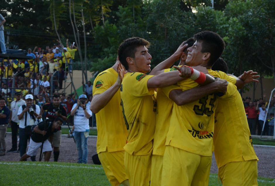 Guastatoya derrotó 2-1 a Antigua GFC en el juego de ida de la final del Torneo Apertura 2015 y está arriba en la serie. (Foto: Nuestro Diario)