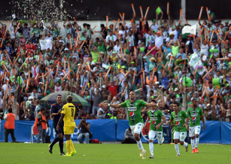 Óscar Isaula anotó al minuto 18 el 1-0 que sirvió para abrir el marcador que le dio a Antigua GFC su primer campeonato de Liga Nacional. (Foto: Nuestro Diario)
