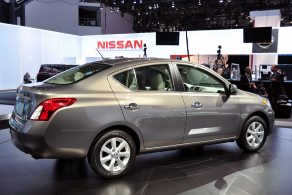 El segundo auto más vendido en México en 2015 fue el Nissan Versa con 43 mil 524 unidades. (Foto:www.roadsmile.com)