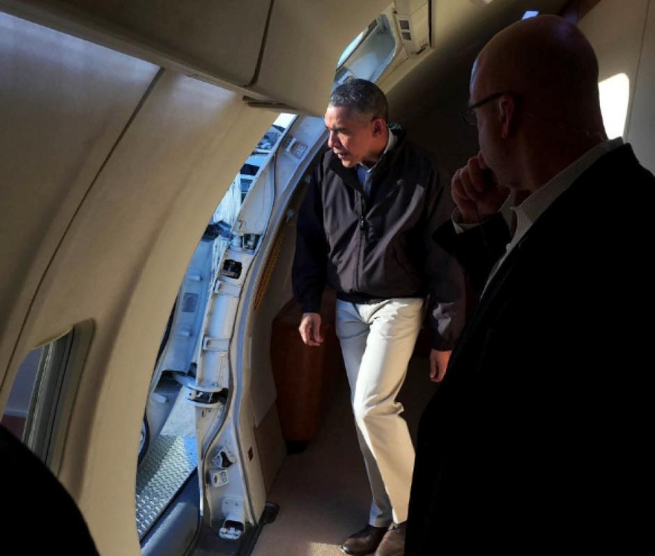El presidente Barack Obama en el Avión Presidencial. Todas las fotos fueron realizadas con un iPhone. (Foto: @PeteSouza)