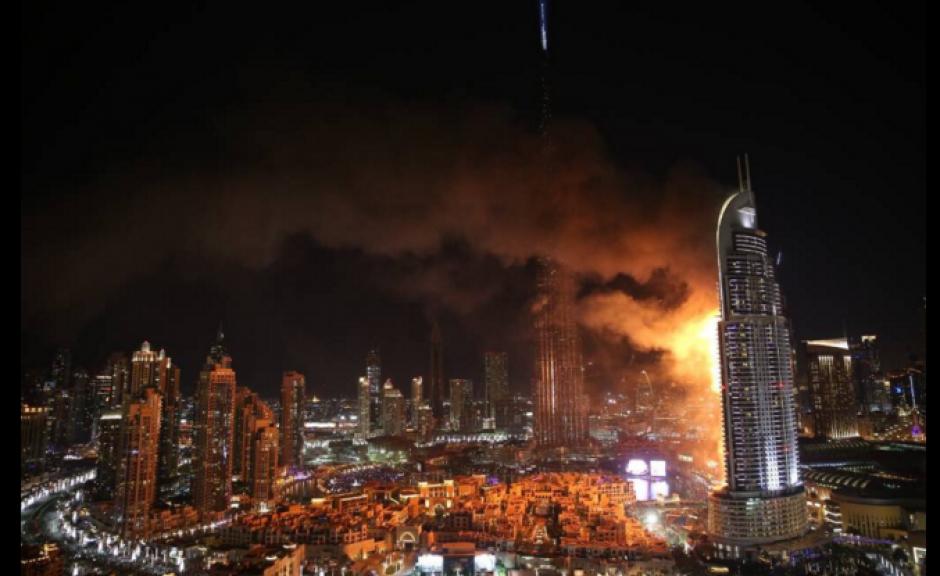 El incendio se registró en una zona cercana al lugar donde se celebraría el evento del nuevo año. (Foto: Actualidad RT)