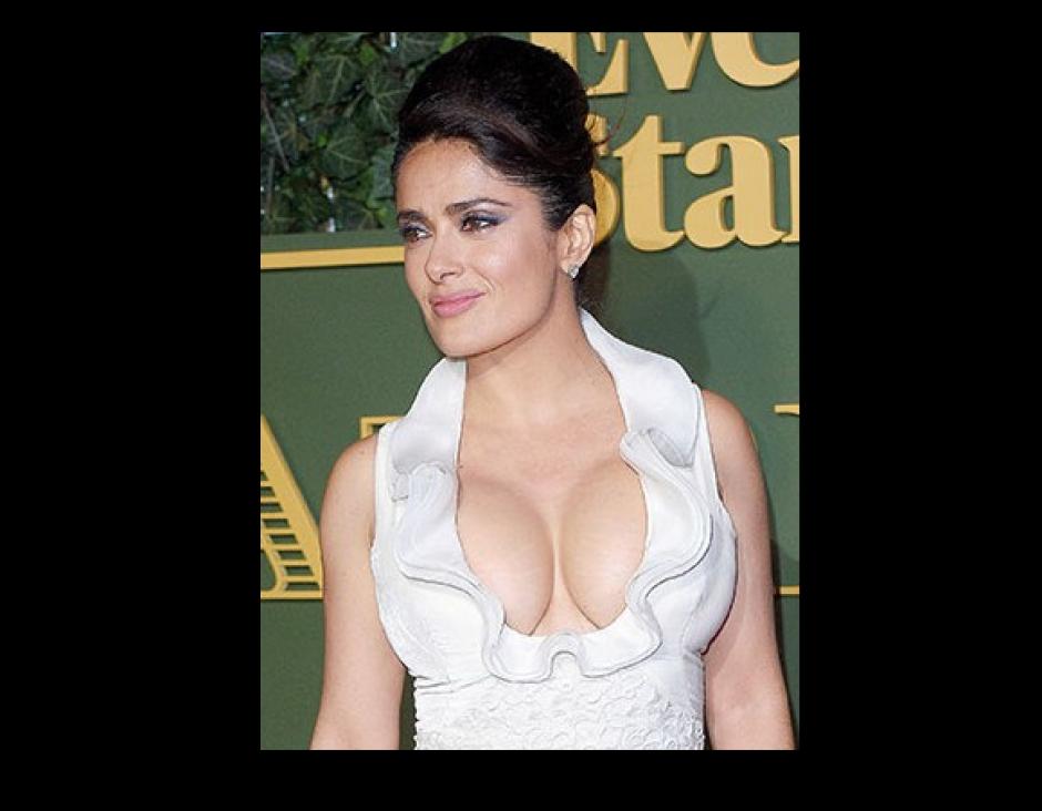 Salma Hayek, la actriz mexicana en los premios al teatro Evening Standard, en Londres. (Foto: People)
