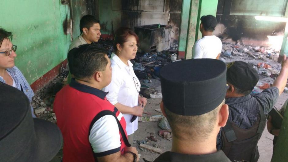 Durante los disturbios hubo un incendio en el interior de la cárcel. (Foto: Mingob)