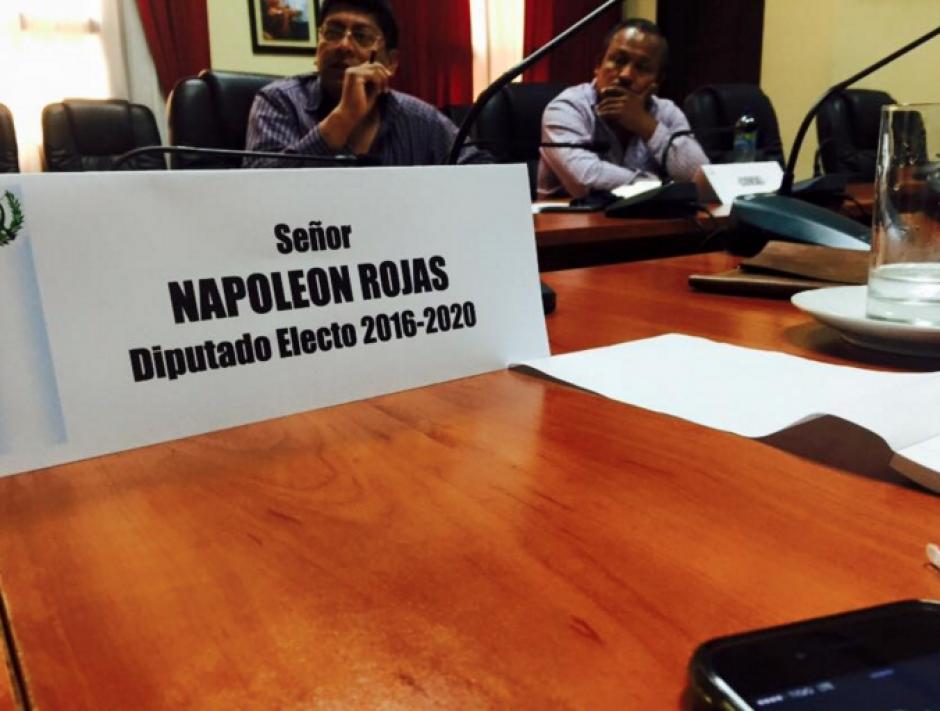 Napoleón Rojas participando en una reunión en el Congreso. (Foto: Facebook)