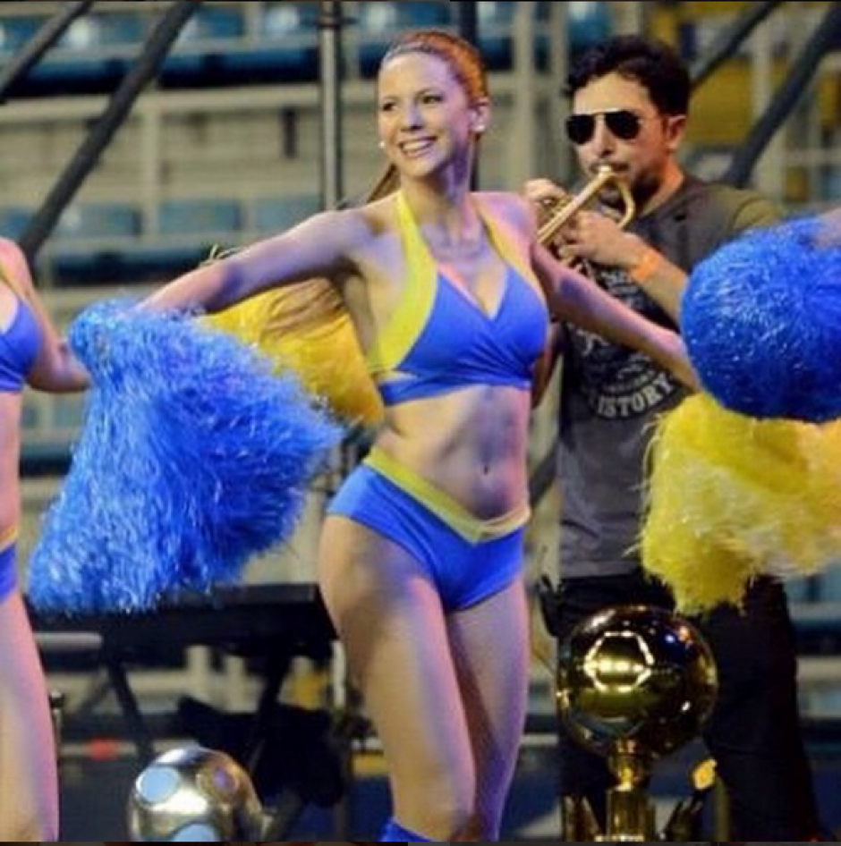 Julieta Ortíz porrista de Boca Juniors  09