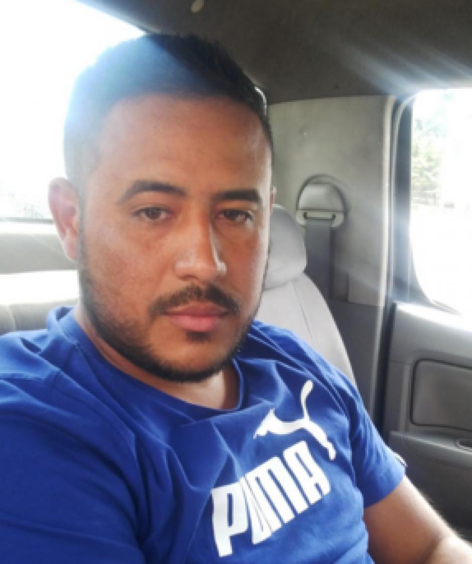 El colombiano Juan Fernando Flores Ovando de 29 años transportaba los dólares en un picop. (Foto: PNC)
