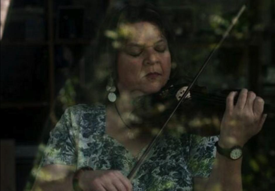 Mónica Sarmientos es una violinista destacada. (Foto: Facebook Mónica Sarmientos)