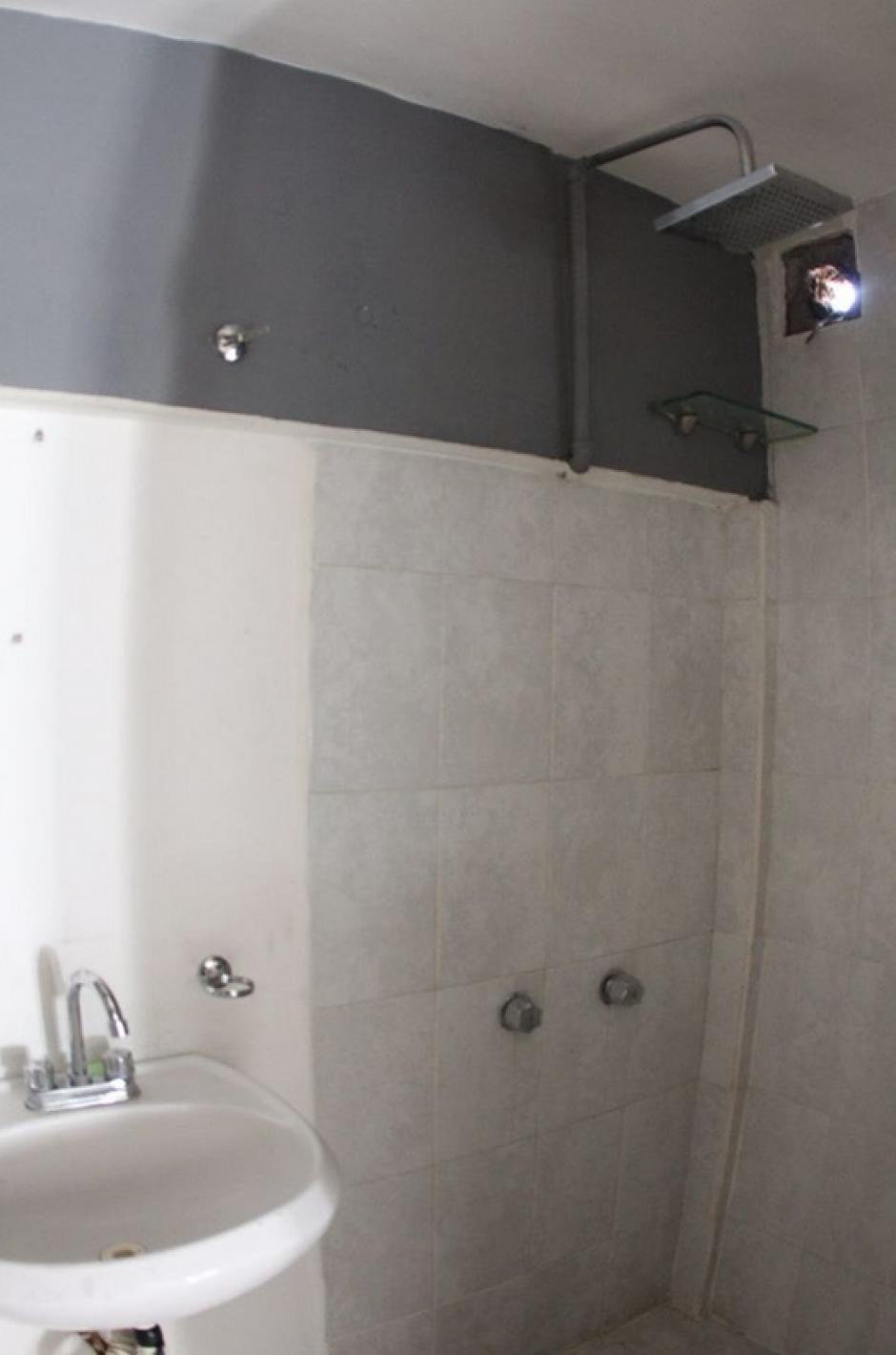 Algunas celdas tienen baño privado. (Foto: Comunicación Social del Estado de Nuevo León)