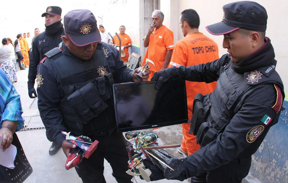 Diferentes electrodomésticos fueron encontrados en el penal. (Foto: Comunicación Social del Estado de Nuevo León)