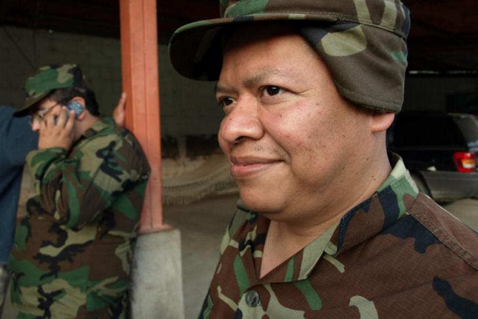 """Juan Orozco interpretaba el papel de """"Soldado Melrosco"""" en el segmento """"La Tropa Loca"""". (Foto: Facebook Moralejas)"""