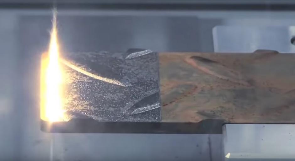 La armonía existente en la pulida de una pieza metálica. (Imagen: Captura de YouTube)