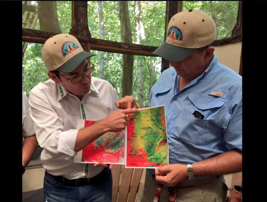 En ese lugar se revisaron proyectos de protección de la biósfera Maya. (Foto: Presidencia Guatemala)