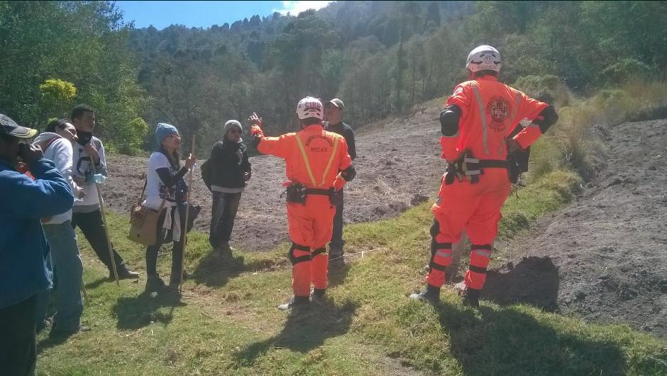 Los Bomberos Voluntarios rastrearon el área por más de tres horas. (Foto: Bomberos Voluntarios)