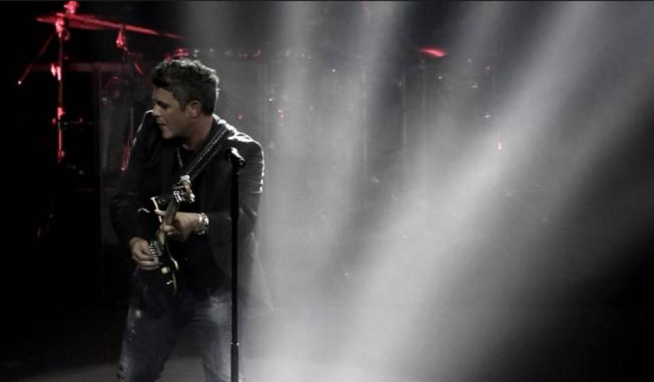 Alejandro Sanz defiende a una mujer maltratada en pleno concierto. (Foto: universalmusica.com)