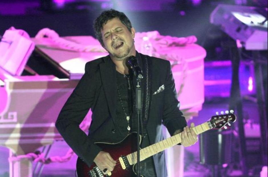 El cantante bajó del escenario y por momentos detuvo el concierto para detener al agresor. (Foto: universalmusica.com)