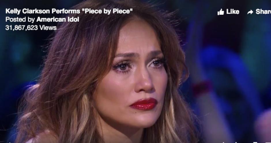 JLO llora en reality show foto