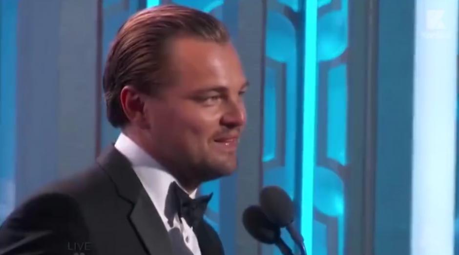 Leonardo DiCaprio no puede ocultar su emoción al escuchar la noticia. (Foto: Video Facebook)