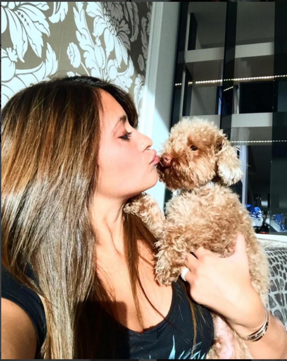 Antonella hace publicaciones frecuentes de su perro Toby. (Foto: Instagram/antoroccuzzo88)