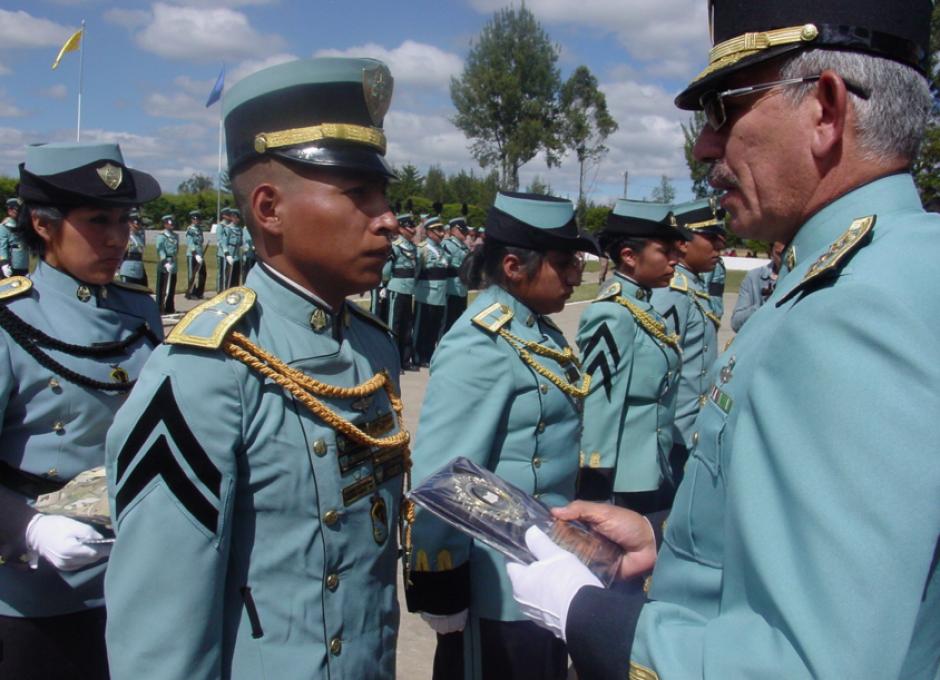 Todos los años se gradúan Peritos Agrónomos y Subtenientes de Reserva en el Arma de Infantería. (Foto: Ilustrativa-gobernacionquiche)