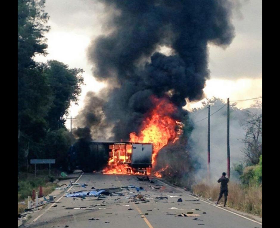 El incidente ocurrió en el kilómetro 90 de la ruta que conduce a Jutiapa. (Foto: Santos Dalia/Tránsito PNC)