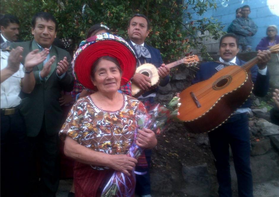 Con mariachis y cohetillos Concepción fue agasajada este 8 de marzo. (Foto: PNC)