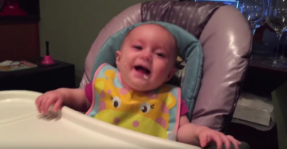 La pequeña Brooklyn contagia su felicidad. (Foto: Jayson Avner/YouTube)