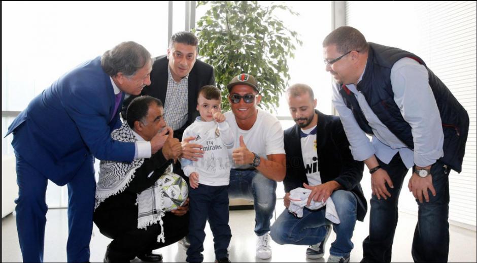 El astro portugués Cristiano Ronaldo también estuvo con Ahmad. (Foto: Real Madrid)