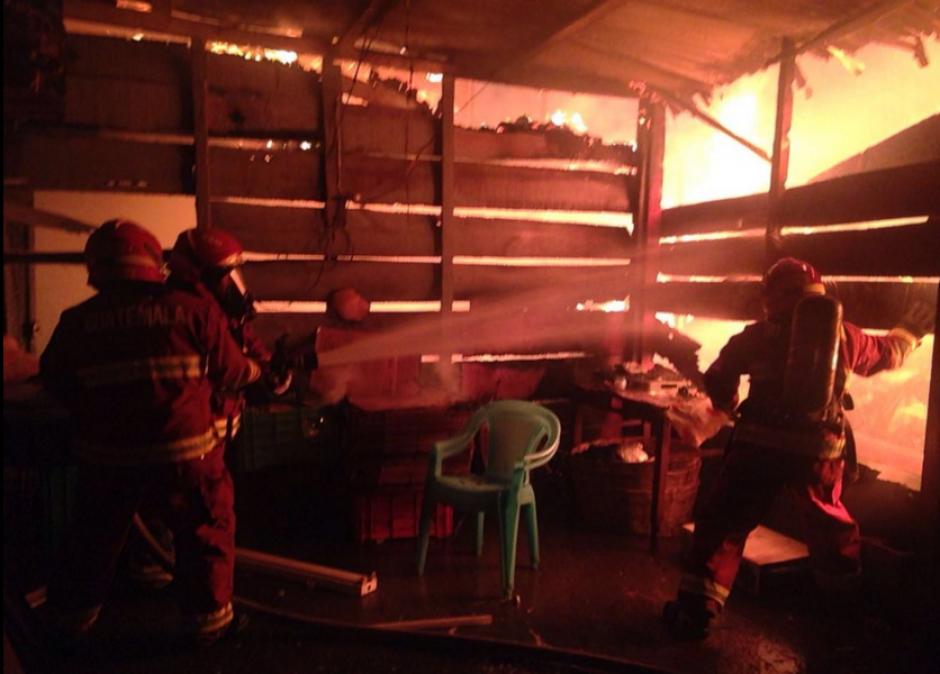 """El incendio se declaró en el área conocida como """"La Cebollera"""". (Foto: Bomberos Voluntarios)"""