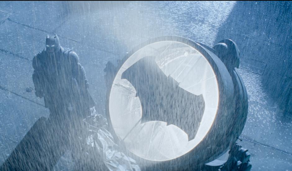 La señal que identifica a Batman volverá a usarse. (Foto: Sitio web Batman v Superman)