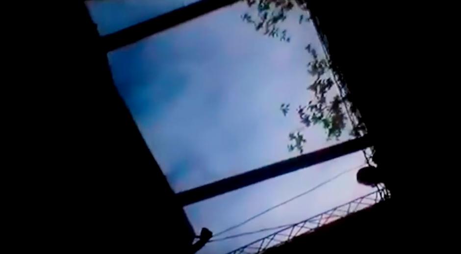 Al final del video se escuchan las voces pidiendo auxilio. (Foto: Watsha Tv/ YouTube)