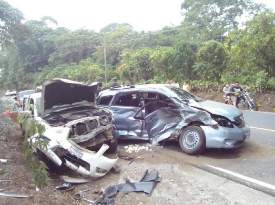 Al menos cinco heridos dejo un percance vial en San Francisco Zapotitlán. (Foto: Tránsito PNC)