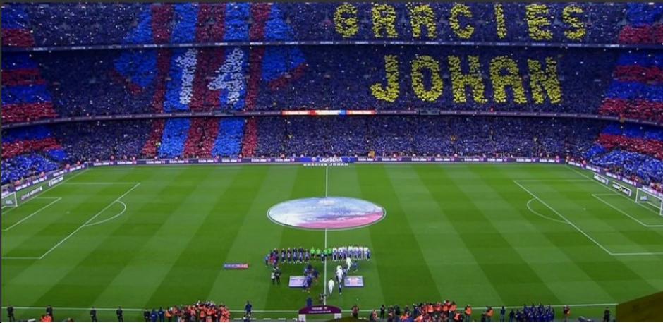 Este fue el mosaico que dedicó el Barcelona a Cruyff. (Foto:BeinSports)