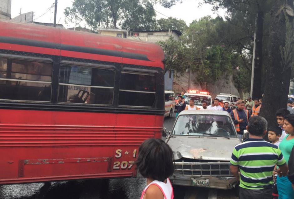 Otro vehículo se vio involucrado en el accidente. (Foto: Bomberos Voluntarios)