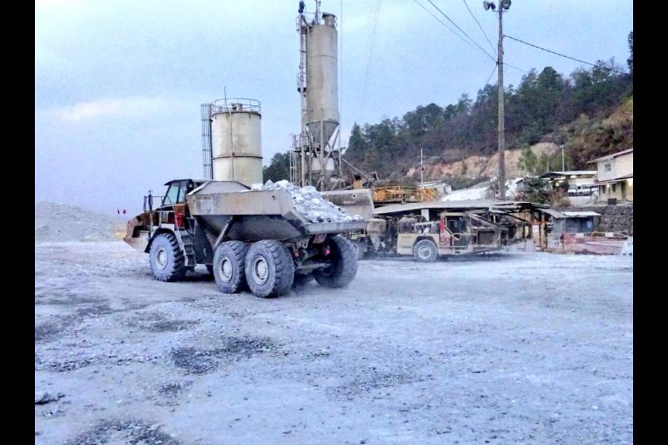 Las labores de remoción de escombros durarán todo el fin de semana. (Foto: @PDHgt)