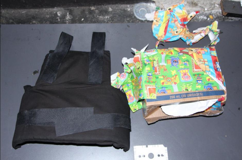 Los supuestos pandilleros transportaban chalecos antibalas. (Foto: @PNCdeGuatemala)