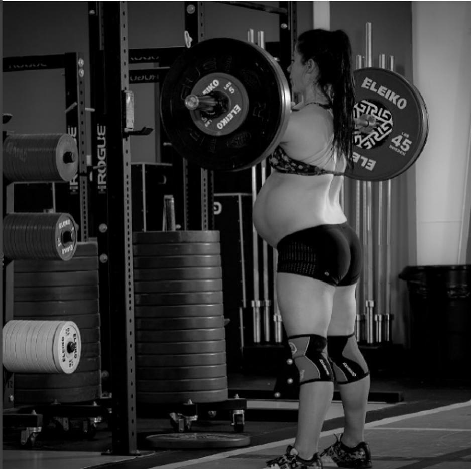 Breeze es una levantadora de pesas olímpica y esta a punto de ser madre. (Foto: @emilybreeze/Instagram)