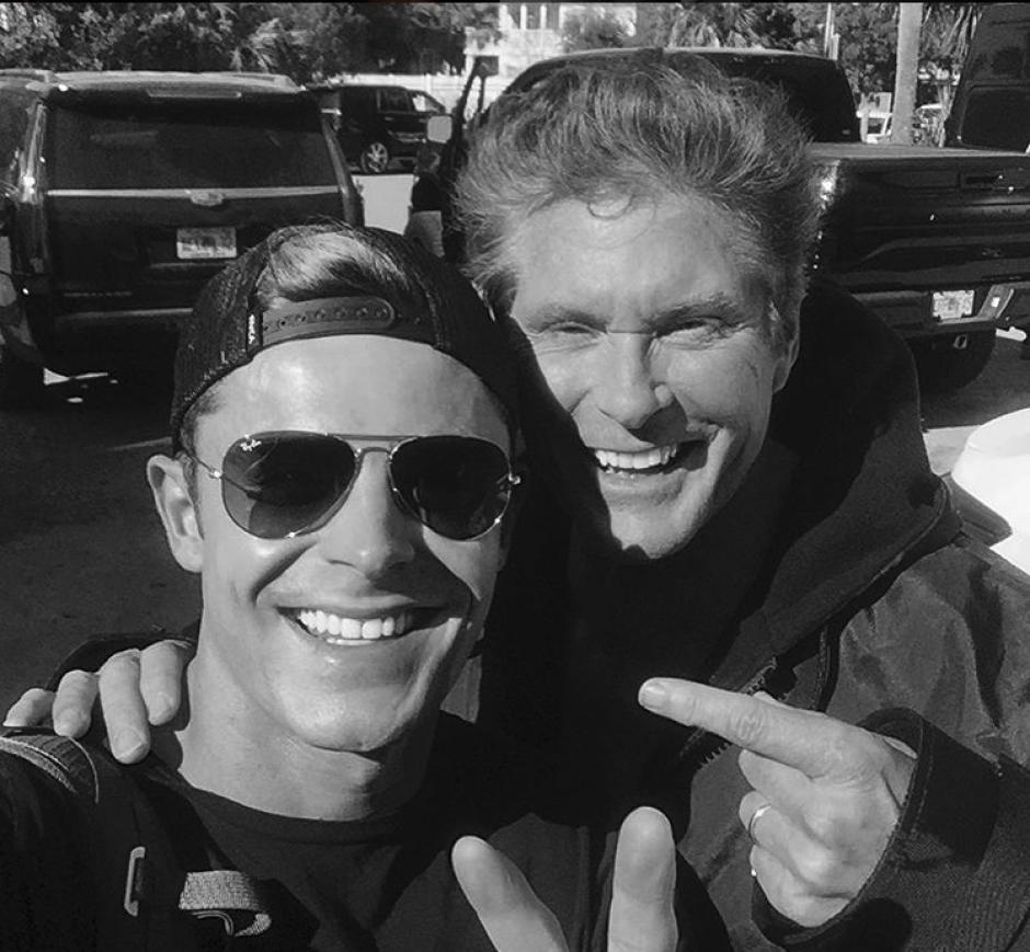 Zac Efron y David Hasselhoff intercambian experiencias. (Foto: Instagram/zacefron)