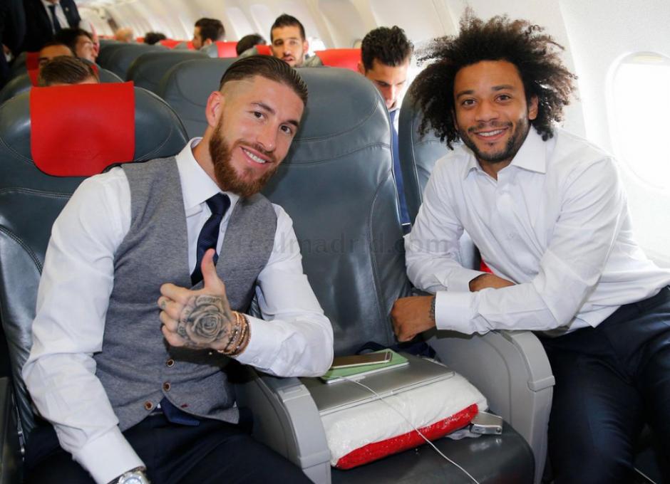 Ramos y Marcelo durante el viaje. (Foto: Twitter/Real Madrid)