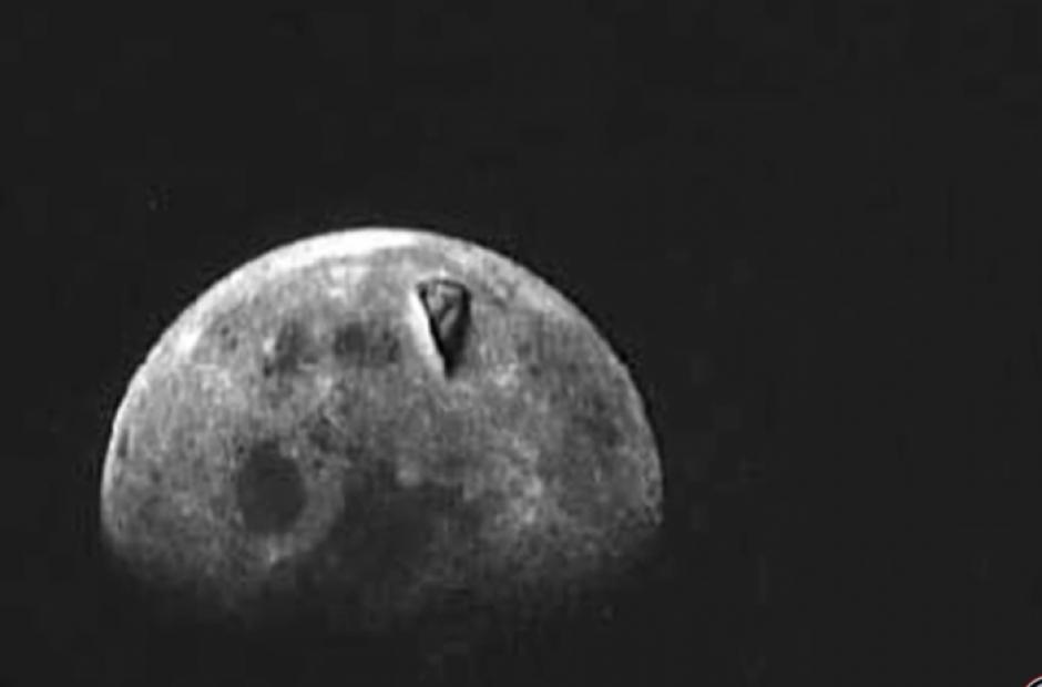 Un objeto volador no identificado de inmenso tamaño fue captado hace décadas por el Apollo 8 sobre la Luna
