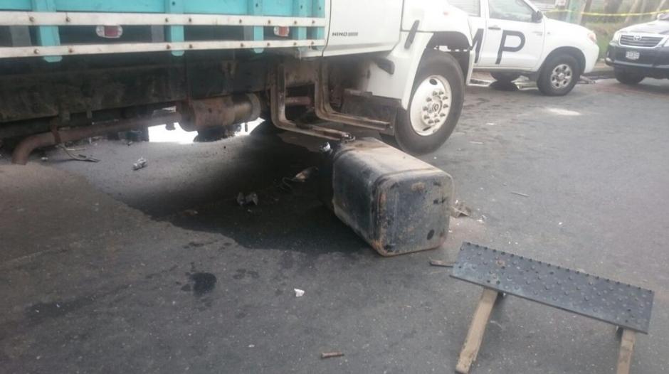 Gran parte del dinero iba en el tanque de combustible. (Foto: PNC)