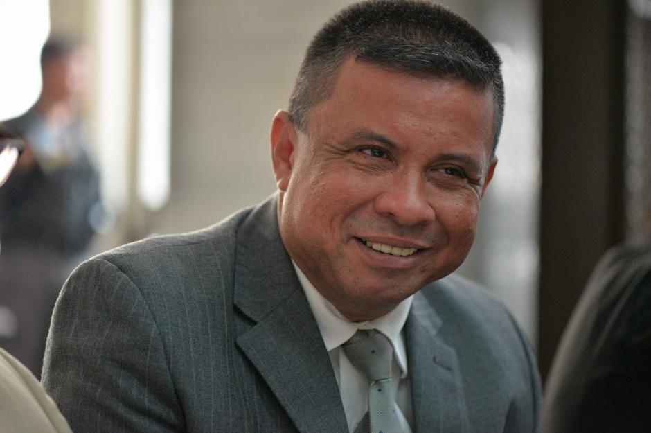 """El acusado, que se tomó un momento para leer un fragmento bíblico, es Francisco Morales, alias """"Chico Dólar"""".  (Foto: Wilder López/Soy502)"""