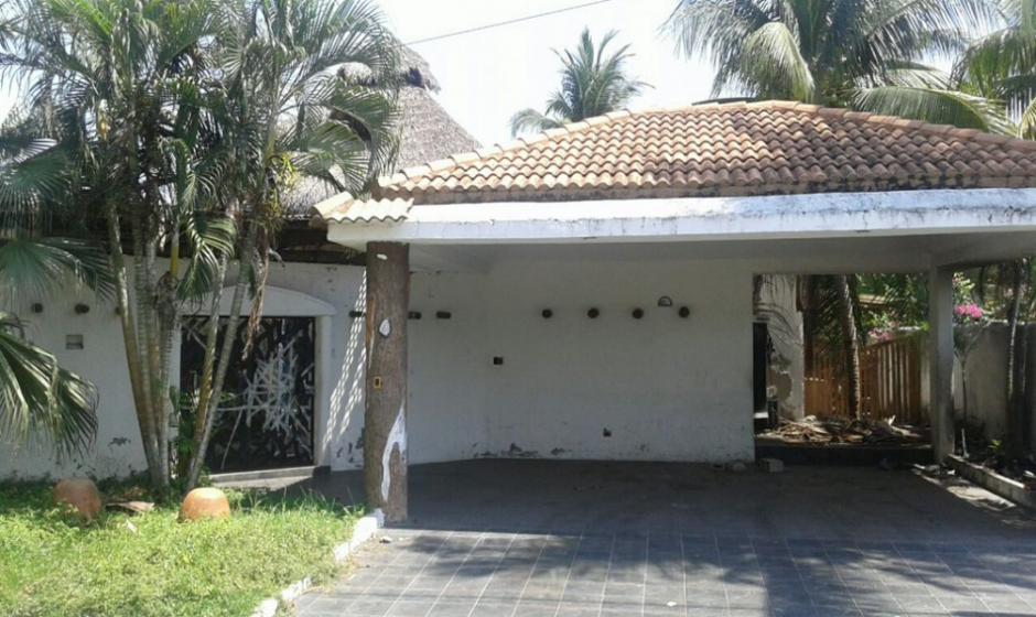 Esta es la fachada de la casa que tiene 19 ambientes. (Foto: MP)